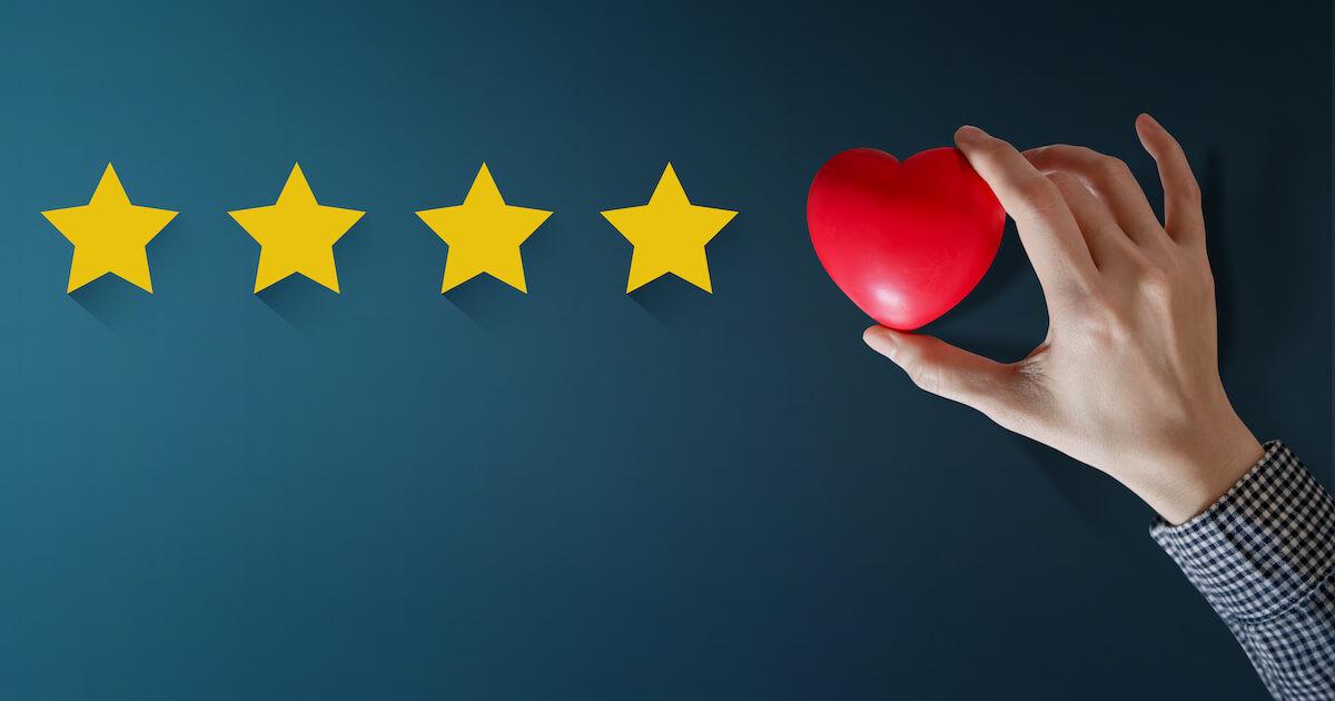Happy Clients geben bessere Bewertungen ab und fühlen sich dem Unternehmen eher verbunden.